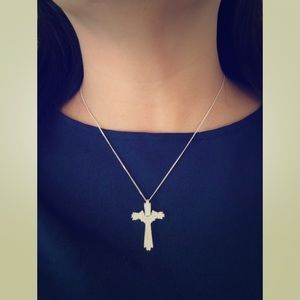 Silver necklace &  a silver cross